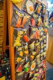 HAKONE JAPONIA, LIPIEC, - 02, 2017: Plastikowy jedzenie bawi się wśrodku plastikowych worków w Teramachi, jest salowym zakupy uli Obrazy Stock