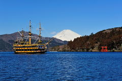 Hakone Lake, Mount Fuji & famous pirate ship Stock Photos