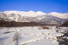 Hakuba by i vinter Royaltyfria Foton