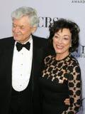 Hal Holbrook e esposa Dixie Carter imagem de stock