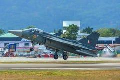 HAL Tejas f?r Indien luftf?r jaktflygplan royaltyfri bild