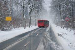 hal vinter för bussväg Royaltyfri Bild