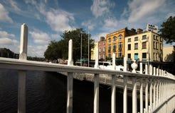 Hala centu most na rzecznym Liffey w Dublin Fotografia Stock