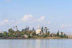 Hala Sultan Tekke moské Cypern Royaltyfri Fotografi