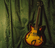 Halb Accoustic Gitarre Lizenzfreies Stockbild