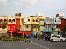Halb aufgegebene Gebäude in Miri Sarawak Malaysia Stockbild