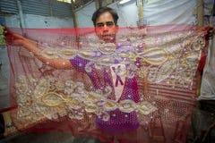 Halb fertiger Benarashi Sari Red und Gold Lizenzfreie Stockbilder