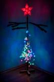 Halb-gekleideter Weihnachtsbaum Stockbild