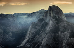 Halbe Haube in Yosemite Nationalpark während des Morgens Lizenzfreie Stockfotos