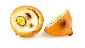 Halbe Schnitt achacha Frucht lokalisiert auf Weiß Lizenzfreie Stockbilder