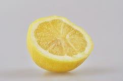 Halbe Zitrone stockfoto