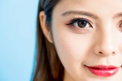 Halbes Gesicht der Schönheitsfrau stockfotos
