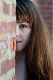 Halbes Gesichtsportrait der Nahaufnahme des jungen Redhead Lizenzfreie Stockfotos