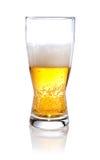 Halbes Glas Bier auf a   Lizenzfreie Stockfotografie