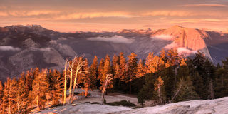 Halbes Haube-Panorama am Sonnenuntergang Lizenzfreie Stockfotografie
