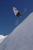 Halbes Rohr des weiblichen Snowboarder Lizenzfreie Stockfotografie
