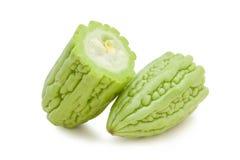 Halbierte bittere Melonen des Schnittes Lizenzfreie Stockfotografie
