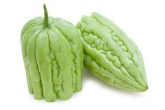 Halbierte bittere Melonen des Schnittes Stockfotografie