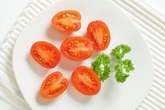 Halbierte Tomaten Stockfotos