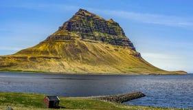 Halbinsel gerade ein kleiner Antrieb von Reykjavik Lizenzfreies Stockbild