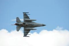 Halcón de la lucha F-16 con el dispositivo de poscombustión Foto de archivo libre de regalías