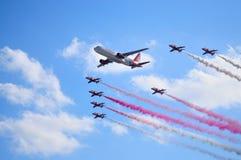 Halcones y Airbus fotografía de archivo