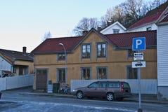 halden желтый цвет дома старый стоковое изображение