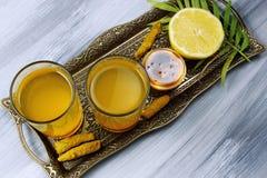 Haldi sano piccante o curcuma, limone fotografia stock libera da diritti