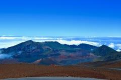 HaleakalÄ  Mountain View nad chmury zdjęcie stock