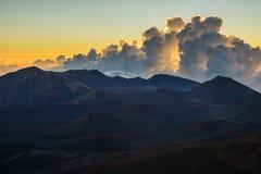 Haleakala soluppgång i Maui Hawaii Royaltyfri Fotografi
