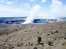 Halemaumaukrater bij de Vulkanen Nationaal Park van Hawaï Stock Afbeeldingen