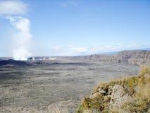 Halemaumaukrater bij de Vulkanen Nationaal Park van Hawaï Royalty-vrije Stock Afbeeldingen