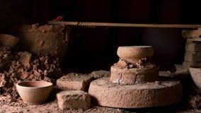 Half afgewerkte as van het greenwareaardewerk van de vissoep de ceramische stock foto