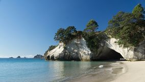 Sunny day around Cathedral Cove in Coromandel, New Zealand stock photography