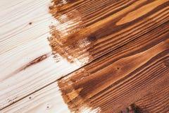 Half geschilderde houten raad stock foto's