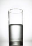 Half gevuld glas Stock Afbeeldingen