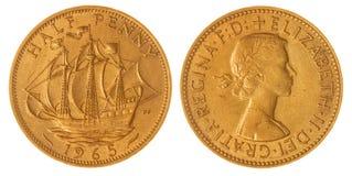 Half stuiver 1965 muntstuk dat op witte achtergrond, Groot-Brittannië wordt geïsoleerd Stock Fotografie