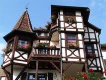 half-timbered Landhaus lizenzfreies stockbild