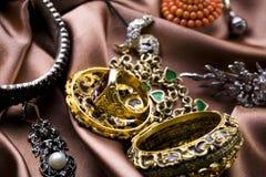 Halfedelstenen - Juwelen stock afbeelding