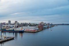 Halifax hamn på skymning Arkivfoto