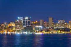 Halifax stadshorisont på natten, Nova Scotia, Kanada Arkivfoton