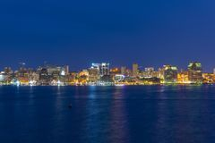 Halifax-Stadtskyline nachts, Nova Scotia, Kanada stockbilder