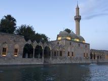Halil-ur Rahman Mosque e lago santamente Sanliurfa, Turquia imagens de stock