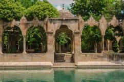 Halil-ur Rahman Mosque, helig sjö (fisk sjön), Urfa Arkivfoton