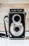 Halina总督葡萄酒孪生透镜照相机 免版税库存图片