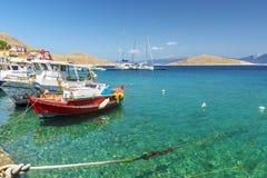 Halki är en ö av fred och kamratskap fotografering för bildbyråer