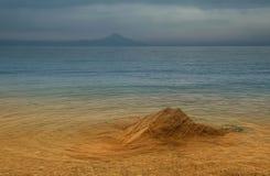 Halkidiki, Grecia con el montaje Athos en fondo Foto de archivo