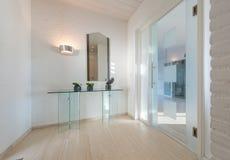 Hall с стеклянной дверью Стоковые Изображения