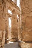 Hall av kolonner på templen av Karnak (Luxor, Egypten) Arkivbilder