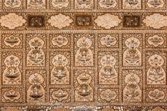 Hall av spegelväggen i Sheesh Mahal, bärnstensfärgat fort royaltyfri foto